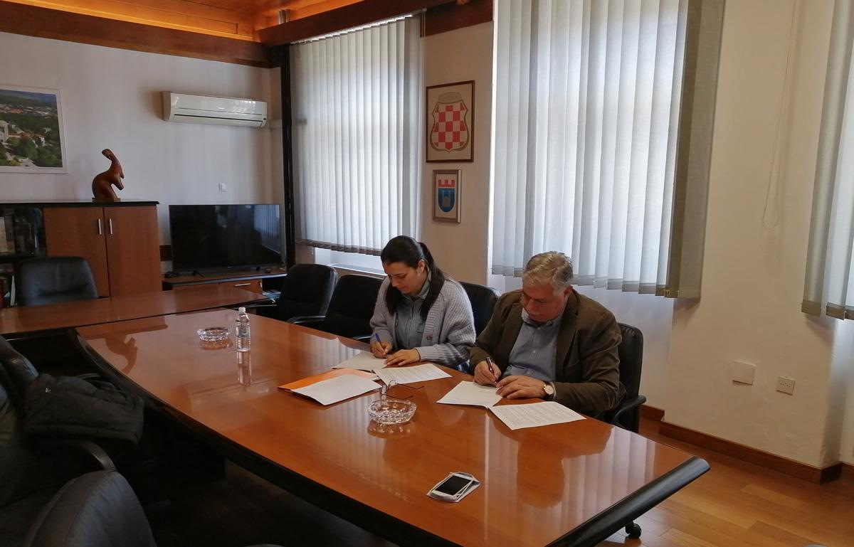 Potpisan Sporazum između Grada Široki Brijeg i Udruge EKO ZH u cilju pružanja podrške realizaciji YOUth Drive projekta
