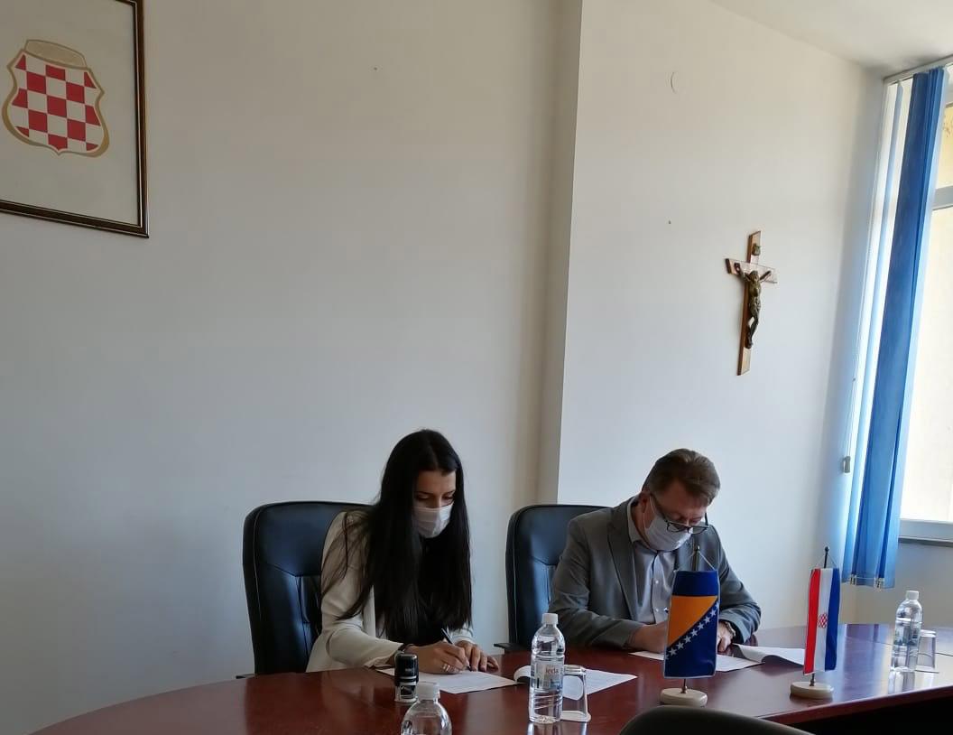 Potpisani Sporazumi o podršci i sufinanciranju projekta YOUth drive na području Županije Zapadnohercegovačke