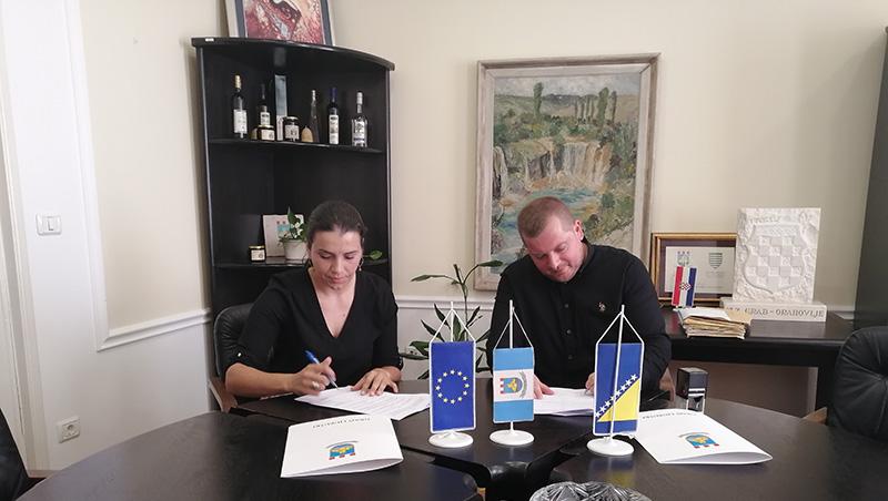Potpisan je Sporazum između Grada Ljubuški i Udruge EKO ZH za potporu u provođenju projekta YOUth Drive